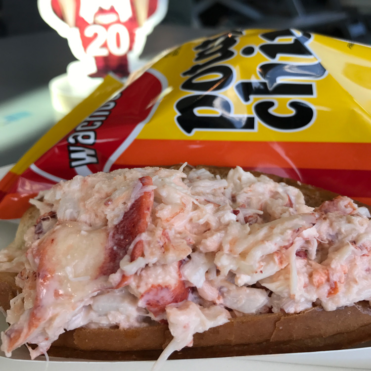new-england-lobster-roll-square